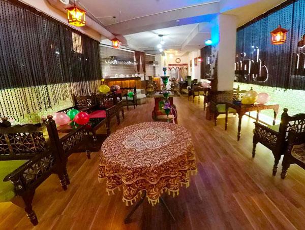کافه رستوران شب های طهرون